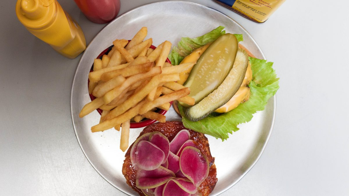 Video: How to make the perfect beef burger